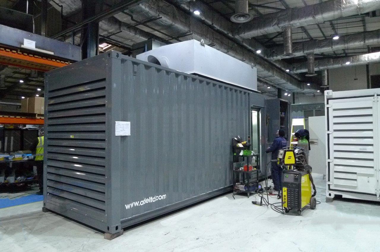 Cummins 700 kVA diesel generator and 3500 litre fuel tank